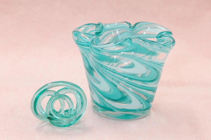 ガラス製花入れ01